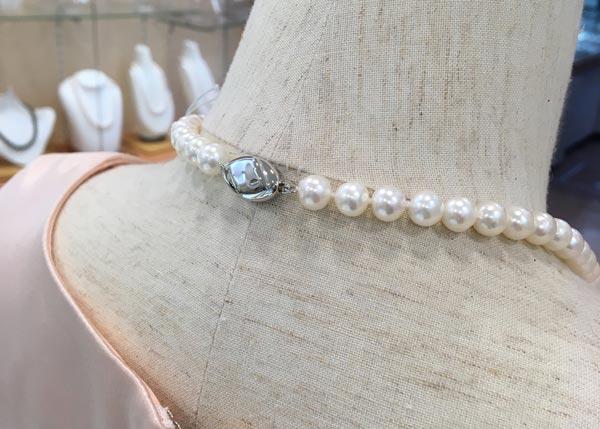 真珠の留め金具