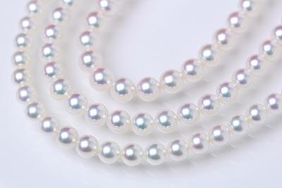 色の調和の優れた真珠ネックレス