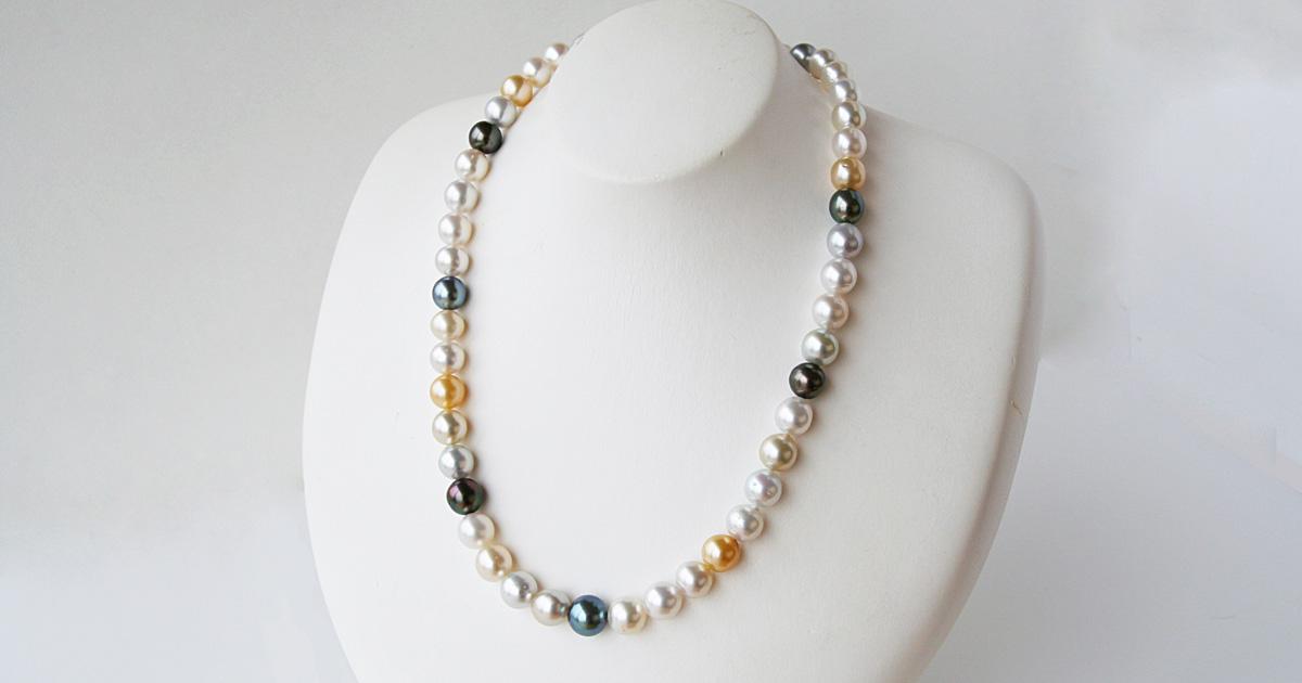 南洋白蝶真珠とアコヤ黒蝶真珠のマルチカラーネックレス