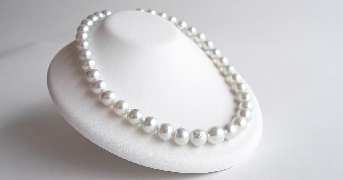 南洋白蝶真珠のネックレス