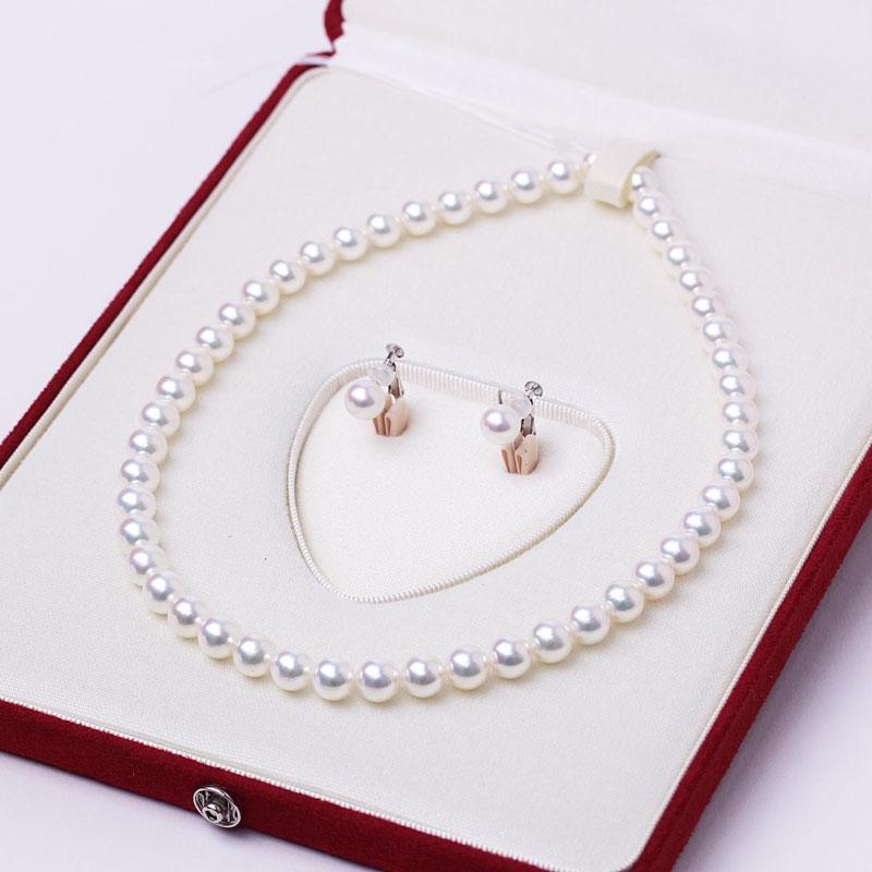 ネックレスに加工されたアコヤ真珠