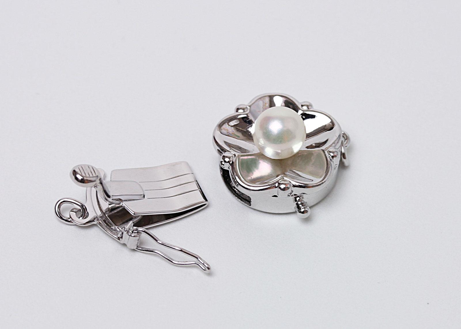 真珠付きクラスプ