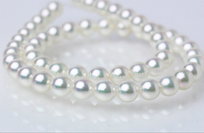 真珠のネックレスイメージ